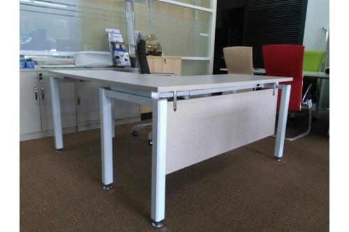 LShape Table - Comina Pine