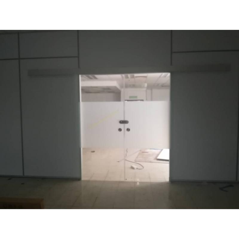 Frameless 12mm Tempered Glass Door Leading Office